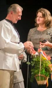 Crestini in Europa-CernautiNicolae Furdui Iancu si consulul Eleonora Moldovan-7-11-2014
