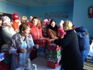 2-Basarabeanca Aurica-Ghiduleni-daruri d ela copii din Anglia-14-01-2015
