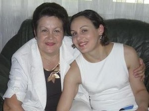 Beatriz Pavllicenco cu mama Vitalia Pavlicenco