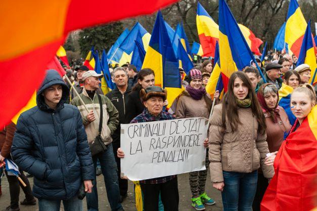 Marea Adunare Tricolora Chisinau-29-03-2015-batran cere justitie