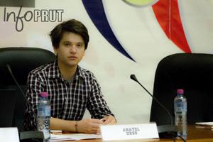 Anatol_Ursu-Miscarea Tinerii Moldovei la Congresul Diasporei Unioniste-300px