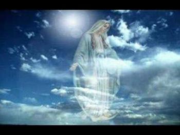 Ave Maria-Presfanta Nascatoare de Dumnezeu-s-arata pe Cer-350px