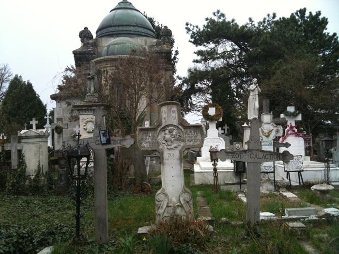 Gala Galaction-cimitirul Manastirii Cernica-700px