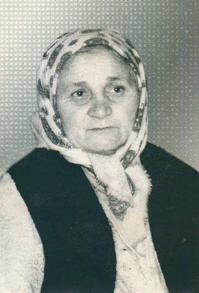 MAMA MEA-VERA Dumbraveavu-retus-Ion Bariz-18-11-2014-400px