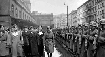 Alianta Stalin-Hitler-Molotov-parada militara cu nazistii Brest 1939-400px