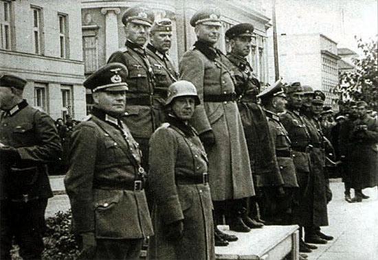 Alianta Stalin-Hitler-gen Guderian si gn rus Krivosein-parada militara cu nazistii Brest 1939