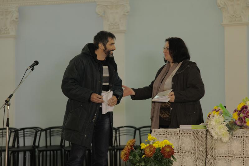 Cartea in Gradina Te Iubesc-lansare-Luminita Dumbrveanu-Ghenadie Nicu 18nov2014-800px