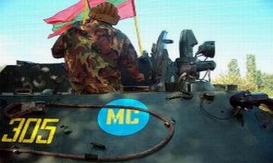 Militari-rusi-in-Transnistria-cu drapel PMR-karadeniz-press.ro