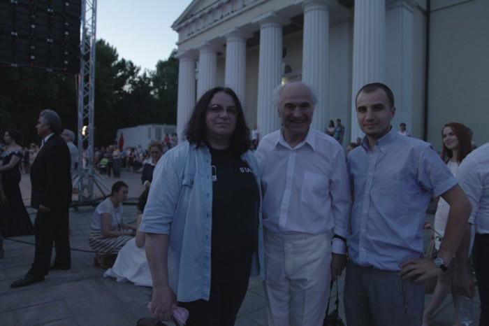 10-Eugen Doga-Luminita Dumbraveanu-Sergiu Ciorescu-in timpul spectacolului-13-06-2015-800px