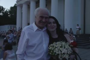 9-Eugen Doga-interpreta Cristina Pintilie-in timpul spectacolului-13-06-2015-800px
