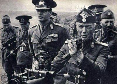 Generalul Ion Antonescu si Regele Mihai I pe front-400px