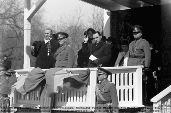 Maresalul Ion Antonescu-Mihai-Antonescu-Parada Chisinau-26 martie 1943-Foto-Willy-Pragher-600px