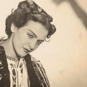 Maria Tanase-costum popular-melancolica