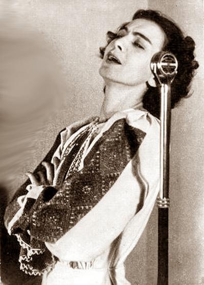 Maria Tanase-costum popular-microfon Radio-400px