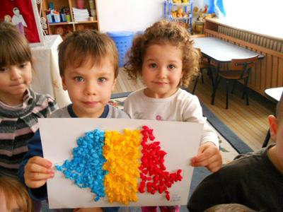 diaspora-foto simbol doi copii si harta RO-400px
