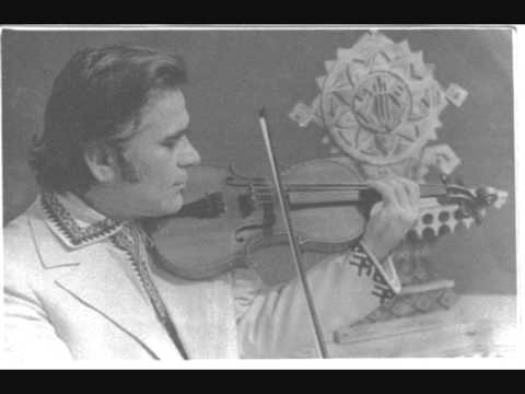 Dumitru Blajinu la vioara-alb-negru-captura video