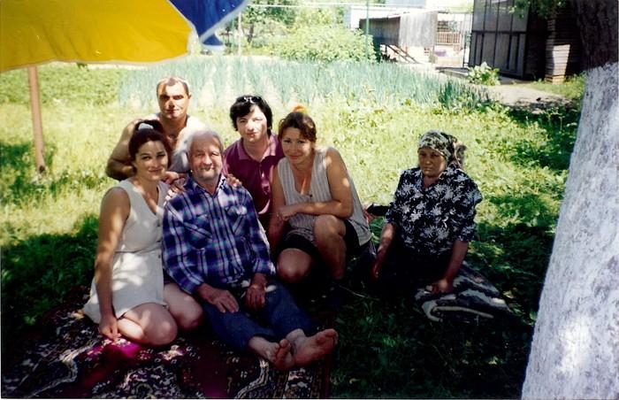 Focul din Vatra-Mihail Rotaru-rudele-Luminita Dumbraveanu-Marsinet-august 1999-700px