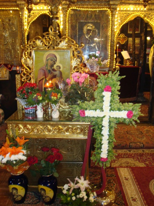 3-Inaltarea-Sfintei-Cruci-foto din Biserica-600px