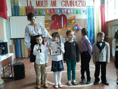 1-Gimnaziul din satul Corjova la 20 de ani-copiii-400px