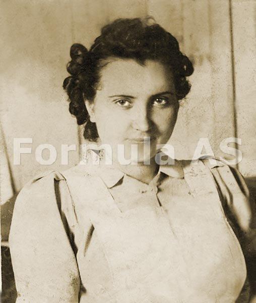 Doina Uricariu-4-Mama poetei