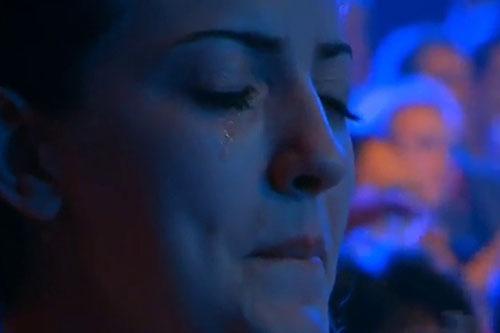 Fata din publc care a lacrimat-XFACTOR-RO-500px