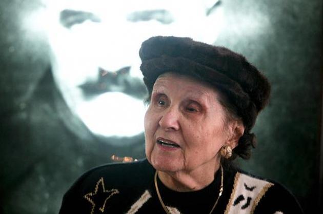 Mitzura Arghezi prim-plan