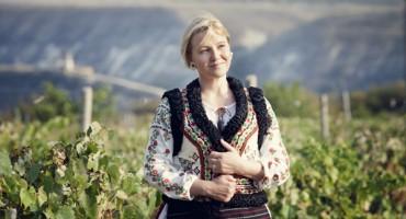 Aurica Dicusara-Basarabeanca-Orheul Vechi-2012-600px