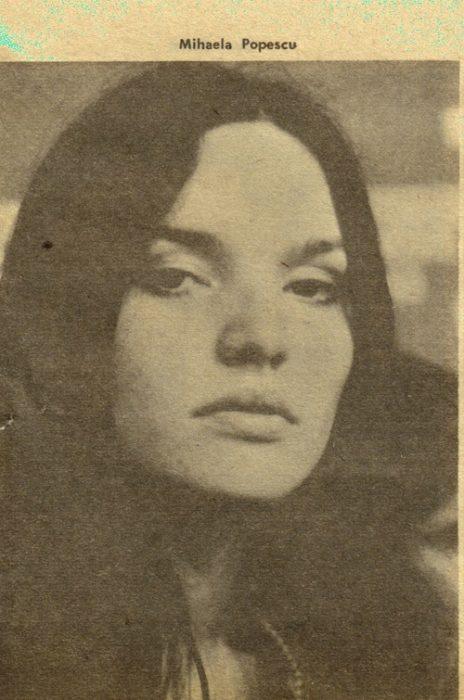Cenaclul Flacara-Mihaela Popescu-nascuta in Suceava-foto verticala-500px