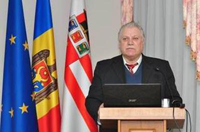 Efim Tarlapan-Simpozon 07-12-2015-foto Radio Chisinau-400px
