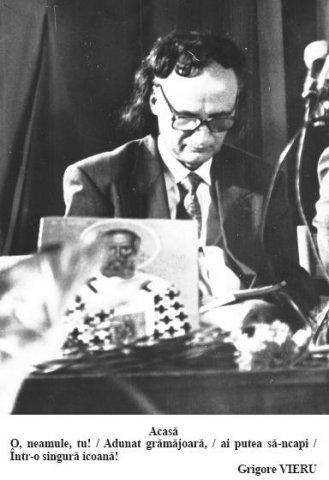 GrVieru-COLIND-Poetul cu ochii in carte-pe masa Icoana si flori