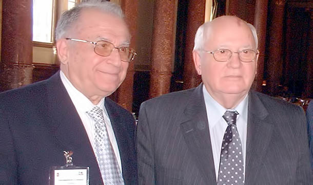 Iliescu-Gorbaciov-www-nasul-tv