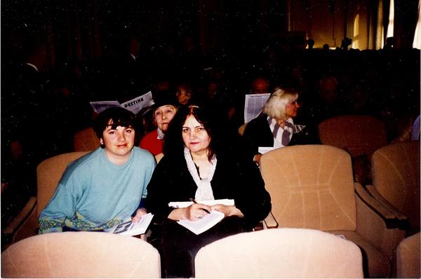 Luminita Dumbraveanu-Leonida Lari-Parlamentul Romaniei 1998-600px