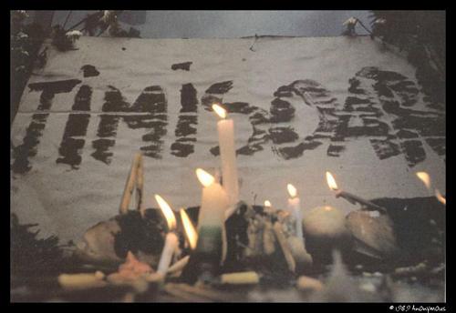 Timisoara-lumanari pentru tinerii cazuti-www-radiotimisoara-ro-500px
