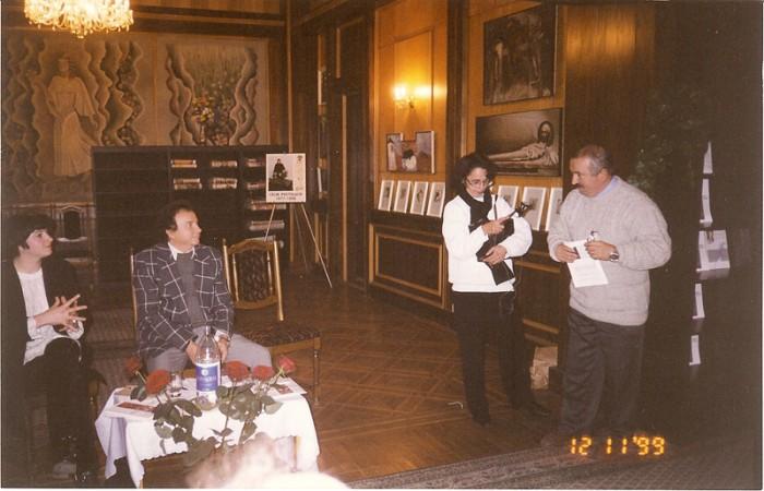 Victor Dumbraveanu-la lansare carte Luminita Dumbraveanu-12-11-1999-800px