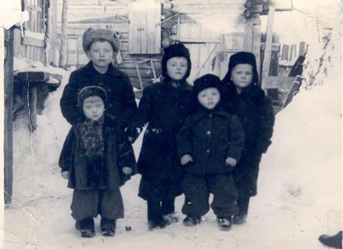 Copii_Siberia_1950_noinu-ro-500px