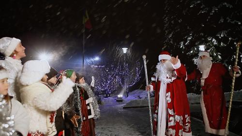 Flacara Film-Basarabeanca si copiii Talancuta-Mos Craciun-Revelion 2014-25-12-2012-500px