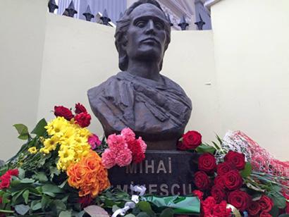 Odesa-bust Eminescu-Sergiu Dan FB 15-01-2016-410px