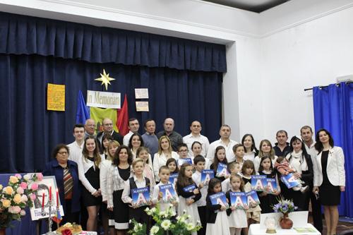 Grigore Vieru cinstit in Portugalia-Asociatia Miorita-grup TOTI-500px