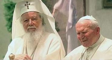 Patriarhul TEOCTIST si Papa Ioan Paul al II-lea-500px