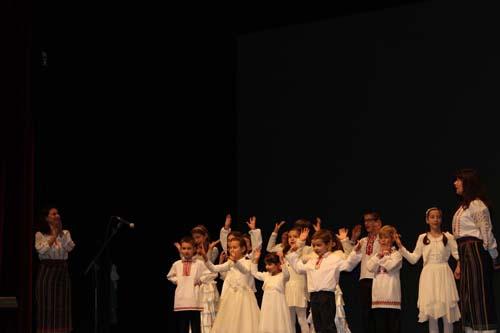Portugalia-Asociatia MIORITA-copii haine albe-500px