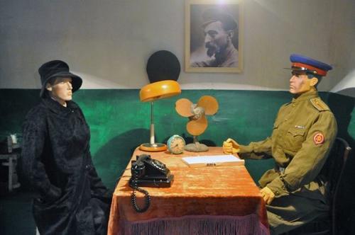 Expozitia Ocupatiei sovietice-26-03-2016-interogatoriu NKVD-500px