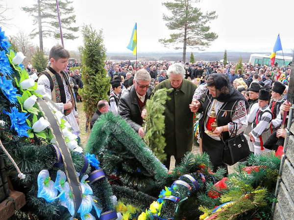 Fantana Alba-comemorarea victimelor masacrui-supravietuitor-1 aprilie 2016-600px