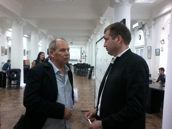 5-Denis Rosca Cartea de AUR a Basarabiei-RM-Denis si Vlad Pohila 1-24 mai 2016-600px