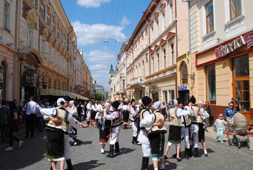 Cernauti-Parada_portului_popular romanesc-foto BucPress-eu-500px