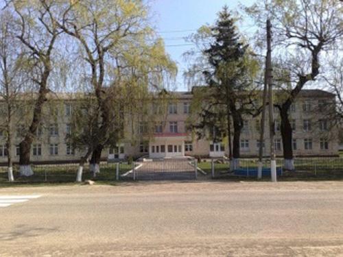 Cernauti-scoala satul Mamaliga-BucPress-eu-500px