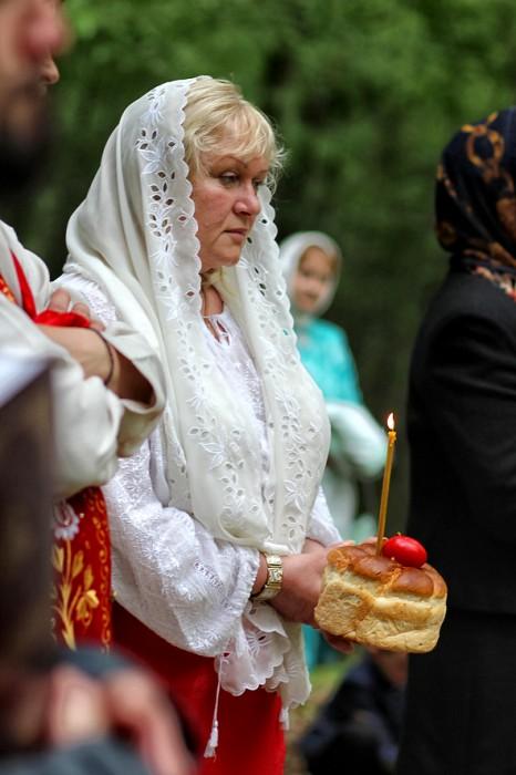Codrii Cosminului-pomenire de Pasti-Elena Nadris-primar Mahala-foto Nicolae Hauca-0IMG_1122