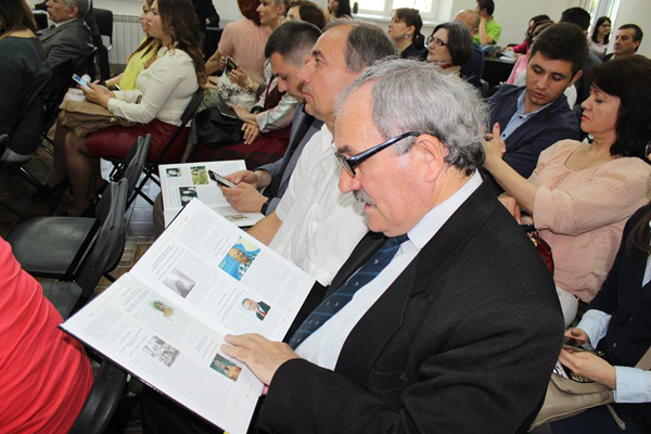 Denis Rosca lansare Carte de AUR a Basarabiei-RM-public-24 mai 2016-600px