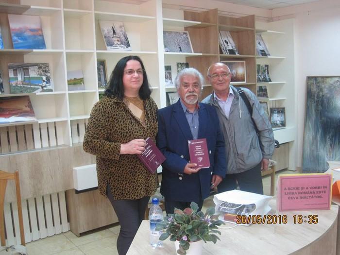 Lansare carte Eminescu in spaniola-Luminita Dumbraveanu-Mario Castro Navarrete-Sergiu Pavlicencu-700px