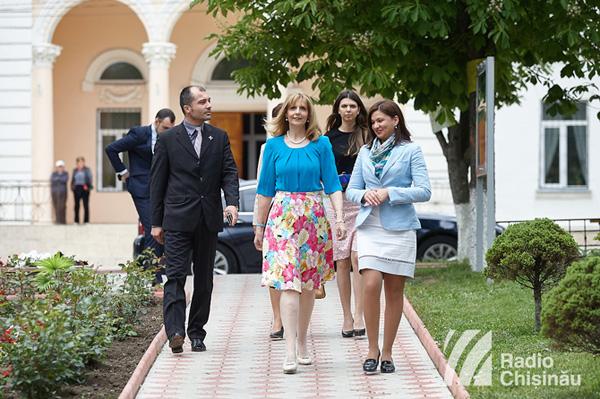 Principesa Maria in vizita la Ialoveni-delegatia-18 mai 2016-600px