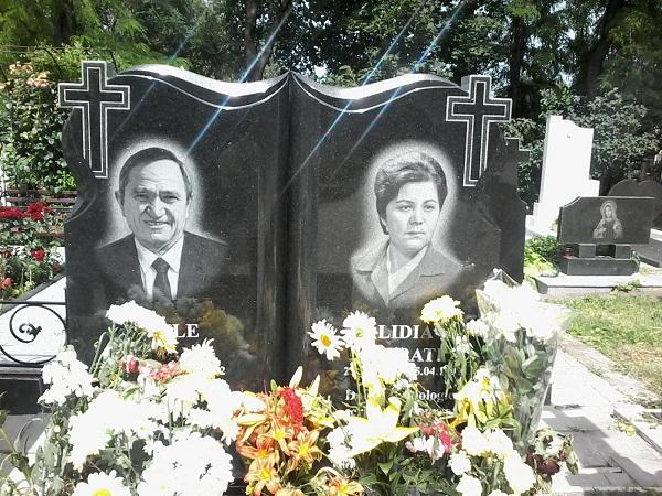 22-06-2016-Lidia Istrati-Piatra funerara-plan apropiat-22-06-2016-FlacaraTV-md-600px